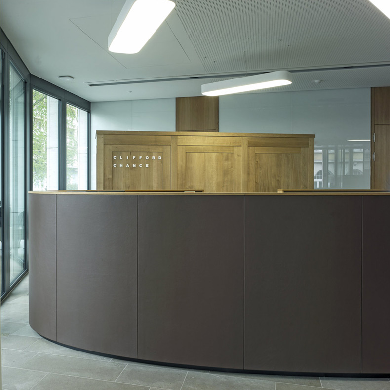 architecture intérieur - aménagement bureaux - transformation - rénovation - design de bureaux - architecte intérieur - interior design - office - refurbishment - design & build - innenarchitekt - innenarchitektur - büroeinrichtung - egb - entreprise générale - clé en main - general contractor - office design
