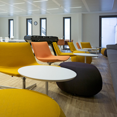 Clifford chance - salle d'attente, mobilier contemporain