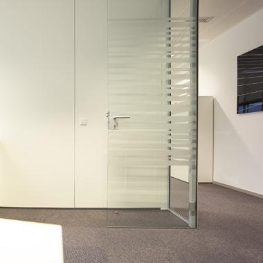 cloison vitrée vitrophanie bureaux porte vitrée