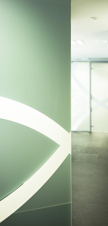 détail vitrophanie - aménagement de bureaux