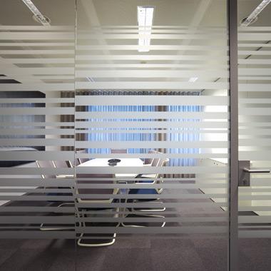 salle de conférence vitrophanie bureaux travail space planning