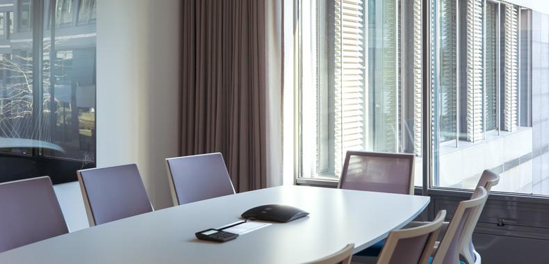 table de conférence et chaises sedus - mobilier de bureau