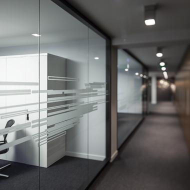 cloison vitrée vitrophanie sablage office design bureau
