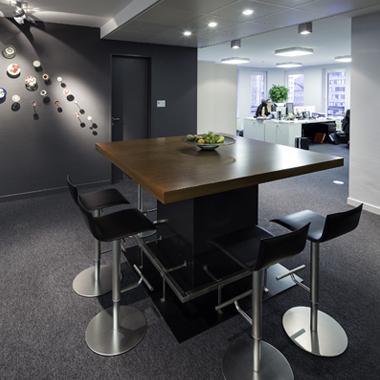 table de réunion art contemporain bureaux